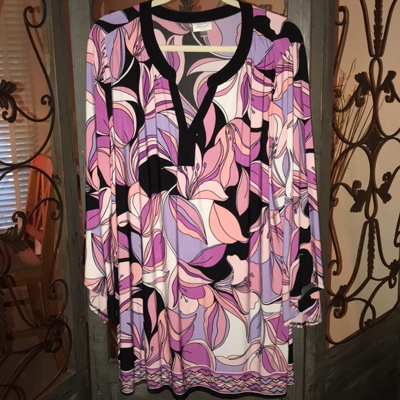 Avenue Tops - Plus size 26/28 long sleeve top. NWOT